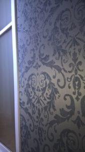 papier peint dans couloir